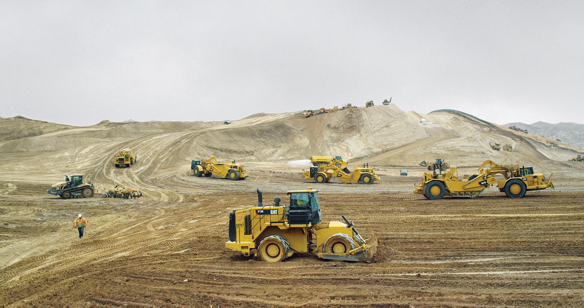 """Hier entsteht eine Stadt: Planierarbeiten im San Fernando Valley, aus: """"Erde"""""""